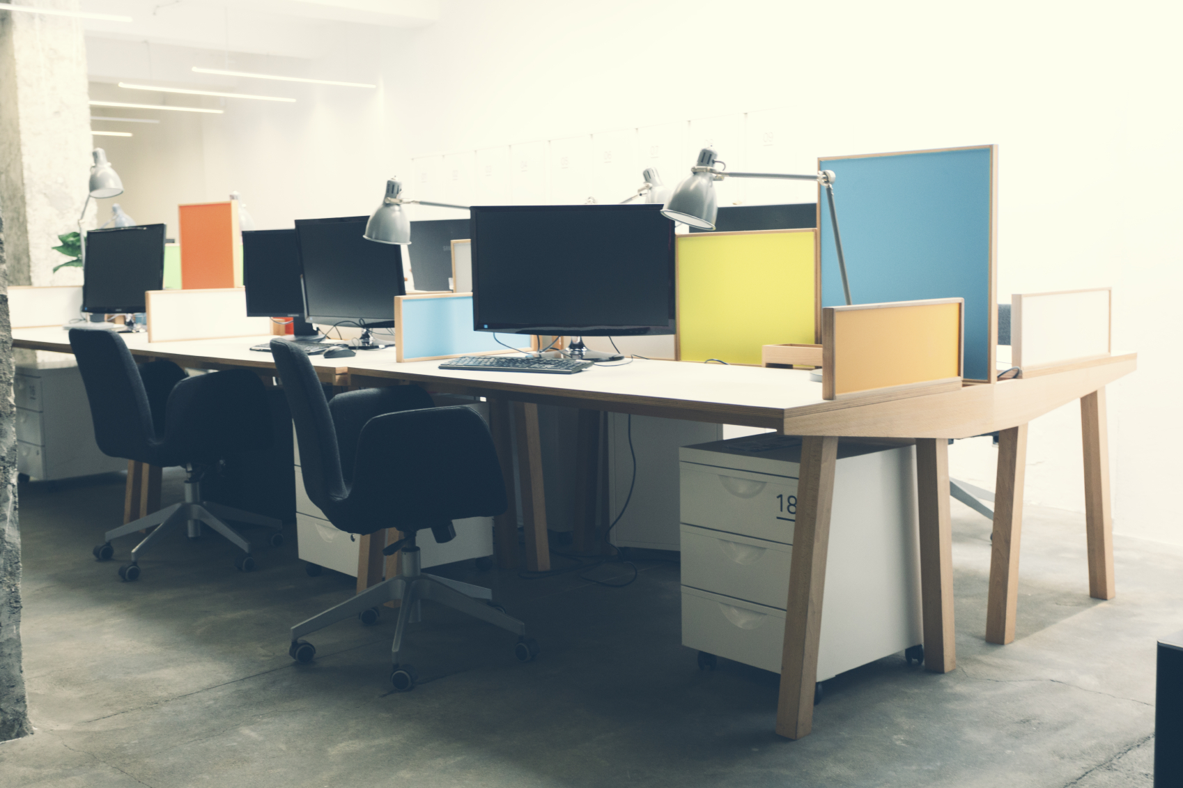 How office design affects employee enagement wellbeing for Office design and productivity