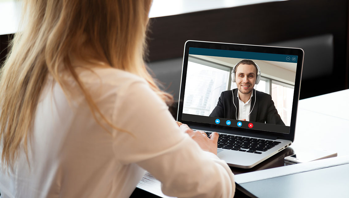how to manage remote employees